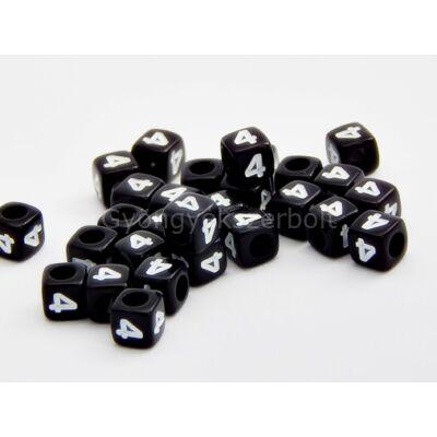 Fekete akril 4 kocka gyöngy 7x7