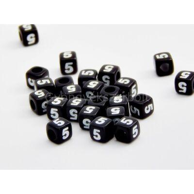 Fekete akril 5 kocka gyöngy 7x7