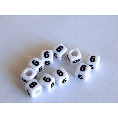 Fehér akril 6 kocka gyöngy 7x7