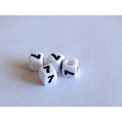 Fehér akril 7 kocka gyöngy 7x7