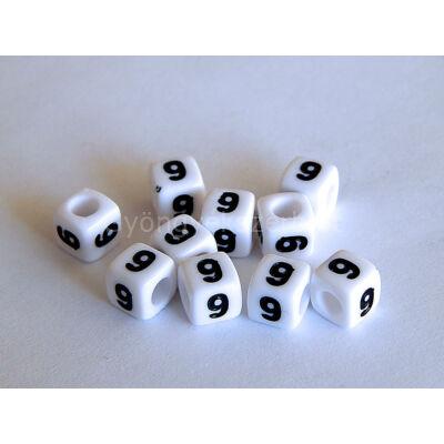 Fehér akril 9 kocka gyöngy 7x7